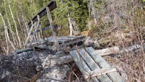 Brücke über den Njakakbäcken