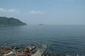 ホームは伊豆川奈、のんびりとしたビーチ