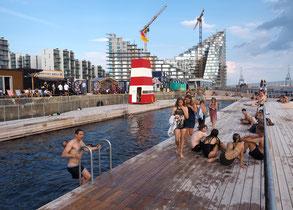 Das große Becken im neuen Hafenbad von Aarhus. Foto: Christoph Schumann, 2018