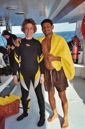 Barbara mit einem Crewmitglied
