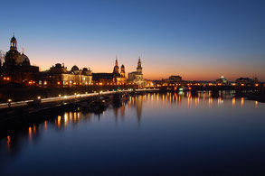 Altstadt von Dresden im letzten Tageslicht