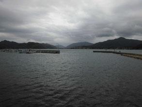 強風の白潟漁港