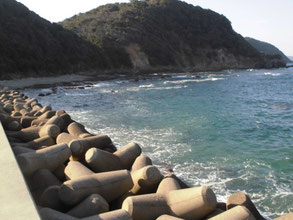 波・風が有る漁港