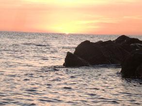 夕陽の釣り場の写真