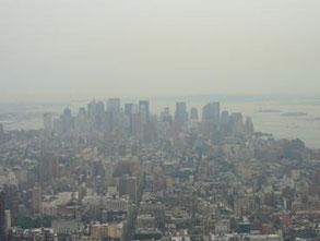世界経済の繁栄の象徴と言えるニューヨークの高層ビル群。
