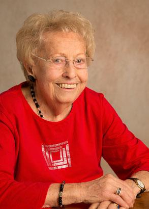 """Frau Lotte Spinka, Mitbegründerin der """"Sozialhilfe Kärntner Frauen"""", verstarb im Oktober 2015 im Alter im 93. Lebensjahr"""