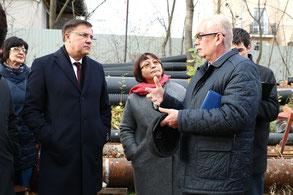 Владимир Омельницкий проводит выездное совещание на строительной площадке гимназии № 406. 26 октября 2018 г.