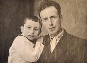 Савелий Заславский с сыном Анатолием. 1943 г.
