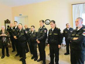 Офицеры и музыканты оркестра ВМПИ на экскурсии в Музее-усадьбе Н. К. Рериха в Изварах