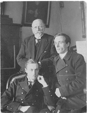Архитектор Сильвио Данини с сыновьями Валентином и Евгением. 1930-е годы