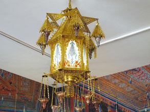 Бронзовый фонарь из Азиатской комнаты