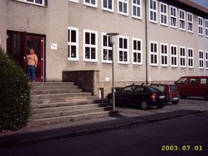 Hier fing Alles an. Eingang zu den Keller-Räumen im Jahr 2003. - Foto: Archiv