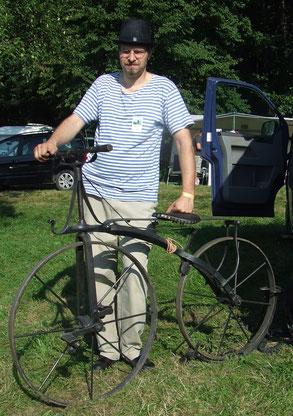 Jungschmied Dusan Dostal aus Prag