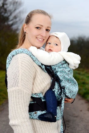 Huckepack Full Buckle baby carrier, soft structured comfort carrier.