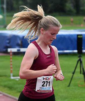 Anna Simkovics mit toller Zeit über 5000m (Foto: Newetschny)