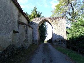 Ladevèze-Ville, La Madeleine, porte médiévale