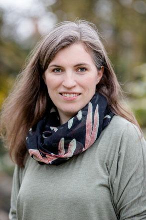 Ann-Kathrin Fliege, Lehrerin für Alexander-Technik in Niedersachsen, Hude, Oldenburg, Ostfriesland und mit deutschlandweiten Angeboten.