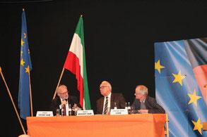 Podiumsteilnehmer beim Stolberger CDU-Forum: Vorsitzender des Marburger Bundes Rudolf Henke MdB (l.), Jurist Helmut Brandt MdB (m.) und Theologe Prof. Dr. Ulrich Lüke (r.).