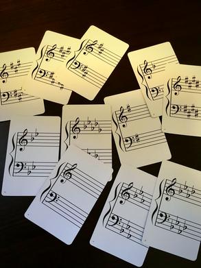 【ピアノレッスンの中で調について学びます。】