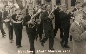 Damasl schon dabei: Hermann Heidermann (links) mit Helikon
