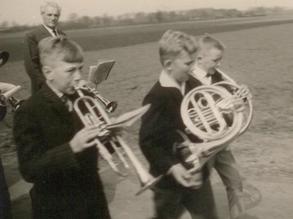 """1962: Nachwuchsmusiker bei den """"Erler Jäger"""""""