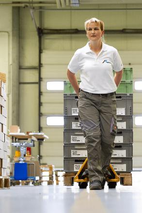 Versandabteilung der OFB Oberflächenbearbeitung Kimax GmbH