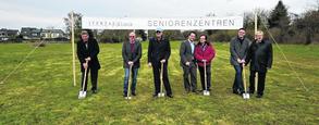 Mit dem ersten Spatenstich wurde die zwölf- bis 14-monatige Bauphase des neuen Betreuten Wohnens der Itertalklinik in Stolberg eingeläutet. Fotos: Markus Bienwald