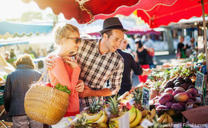 Frisches Obst und Gemüse sind reich an Vitaminen und Mineralien, die wichtig für die Regeneration von Kiefer und Zahnfleisch sind.