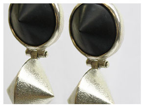 Ohrhänger, Silber mit Onyx Kegel