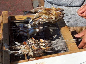 天然鮎の塩焼き、500円より。恵那峡のさざなみ公園で