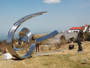 350点以上ある野外彫刻が面白い美ヶ原高原美術館