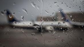 "Planespotting ""winter spotting"" ""lufthansa"" ""de-ice"" ""deice spotting"" deice Aviation ""deice aviation"" ""Planespotting Community"" ""Planespotting Alliance"" Spotting ""Action Cam"" ""tail view"" Boeing cgnjets John RoyalSirPlus RSP RoyalSP B737 ""Lufthansa B737"""