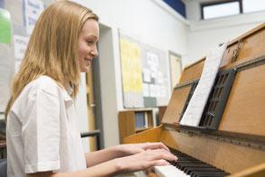 Klavierunterricht, Klavier spielen lernen Wien Floridsdorf 21. Bezirk