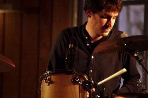 Chanteuse + pianiste + batteur percussioniste •groupe de musique pop variété lounge pour vin d'honneur, cocktail mariage CAEN Deauville Honfleur Lisieux Vire Bayeux