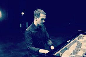 chanteuse + pianiste + batteur •duo ou trio musiciens pour animation de mariage •musique live pour vin d'honneur en Normandie