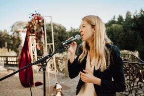 Groupe de musique pour mariage en Sologne Loiret Loir et Cher | chanteuse pour animation | wedding in France | coverband lounge pop | trio singer pianist drummer