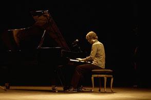 chanteuse musiciens artistes chanteur pianiste orchestre pour concert privé • animation musicale pour événement • groupe de musique pop variété lounge Saint-Lô • Avranches • Coutances • Granville • Cherbourg-en-Cotentin • MANCHE 50 • NORMANDIE