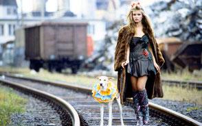 Model+Hund