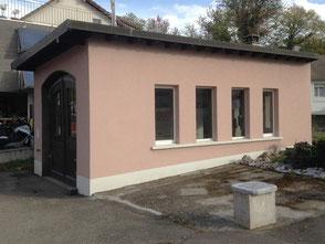 Die Werkstatt mit der Farbe vor der Renovation