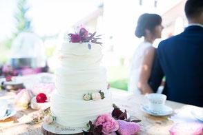 Tortenherz Ruffeld Cake mit echten Blumen