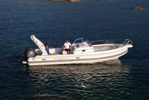 Location bateau semi rigide  capelli 900 au départ du Lavandou Var 83
