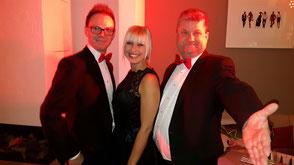 Supreme Trio in Finning