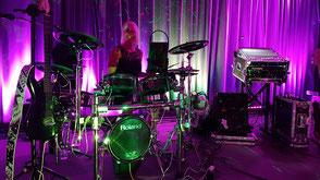 Bianca an den Drums in Memmingen im Allgäu