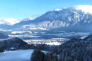Winter im Kaisergebirge, Blick vom Berggasthof Hummelei