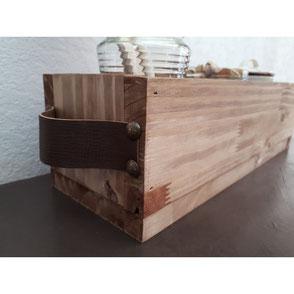 Boîte en bois poignées cuir Hautes-Pyrénées