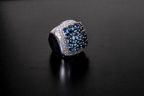 Diamanten und Saphiren