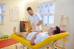 Manuelle Lymphdrainage Teil der komplexen Physikalischen Entstauungstherapie zur Behandlung von Lymphödemen. Durch gezielte Grifftechniken kommt es zur Entstauung bestimmter Körperregionen. Findet häufig Anwendung nach OP's oder Lymphknotenentfernung.
