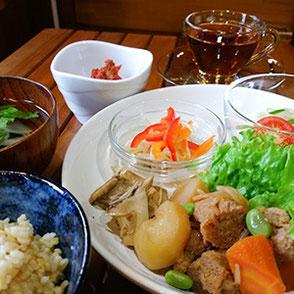 玄米ランチセット(週替わり)- Brown Rice Lunch Set (changes weekly) -