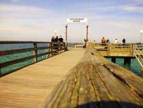 Seebrücke Ostseebad Rerik- Buche jetzt deinen Kitekurs in der VDWS Kiteschule Salzhaff an der Ostsee. Kiten lernen in Kühlungsborn und am Salzhaff . Buche jetzt deinen Kitekurs Ostsee