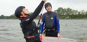 Lerne Kitesurfen im Team in deiner VDWS Kiteschule Salzhaff in Rerik
